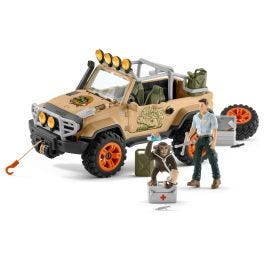 4x4 vehicle with winch