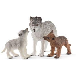 Mother wolf with pups